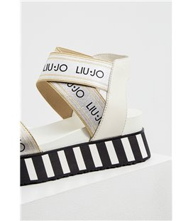 Гейнер Prozis Real Mass Gainer 2722  гр - Strawberry